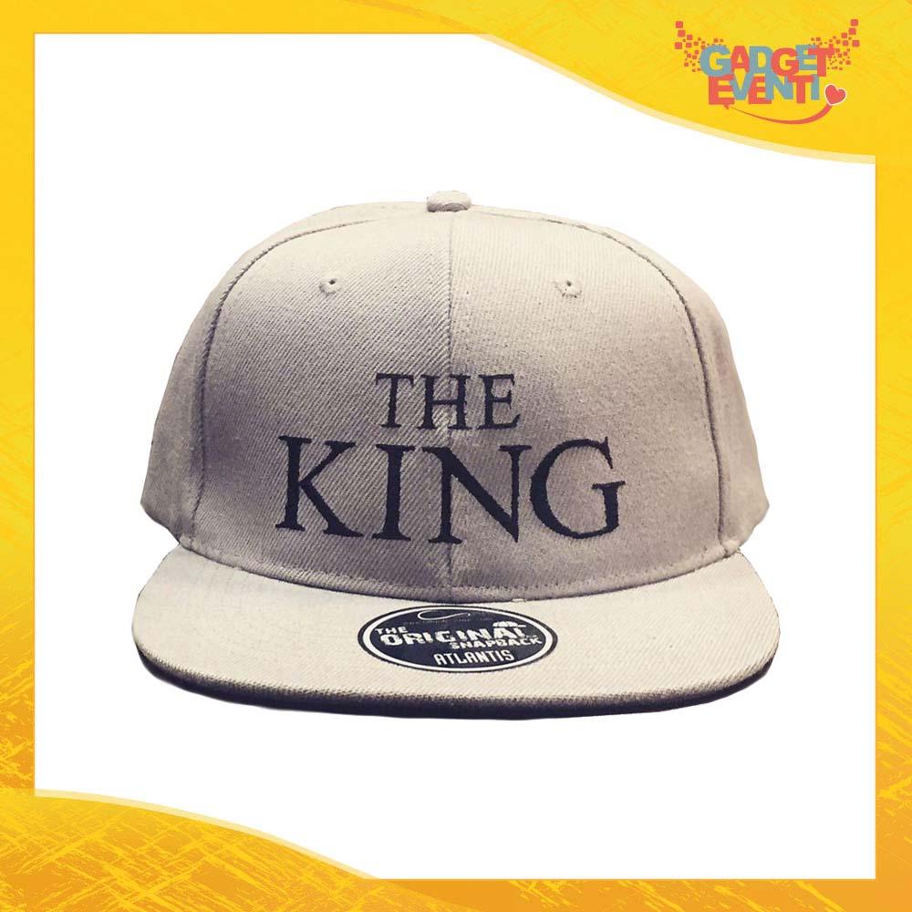 """Cappello Ricamato Berretto """"The King"""" Snapback Visiera Larga Gadget Eventi"""