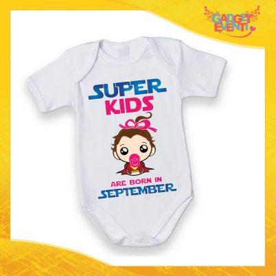 """Body Manica Corta Neonato Femminuccia Bodino Bimba """"Super Kids con Mese Personalizzato"""" Gadget Eventi"""