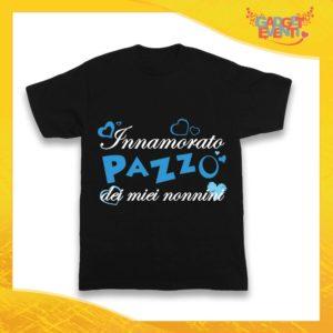 """Maglietta Nera Maschietto Bimbo """"Innamorato Pazzo dei miei Nonni"""" Idea Regalo T-Shirt Festa dei Nonni Gadget Eventi"""