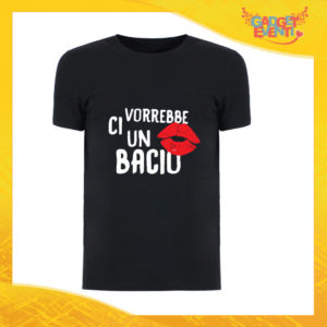 """T-Shirt Uomo Nera """"Ci vorrebbe un bacio"""" Maglia Maglietta Maschile Idea Regalo Divertente per un Ragazzo Gadget Eventi"""