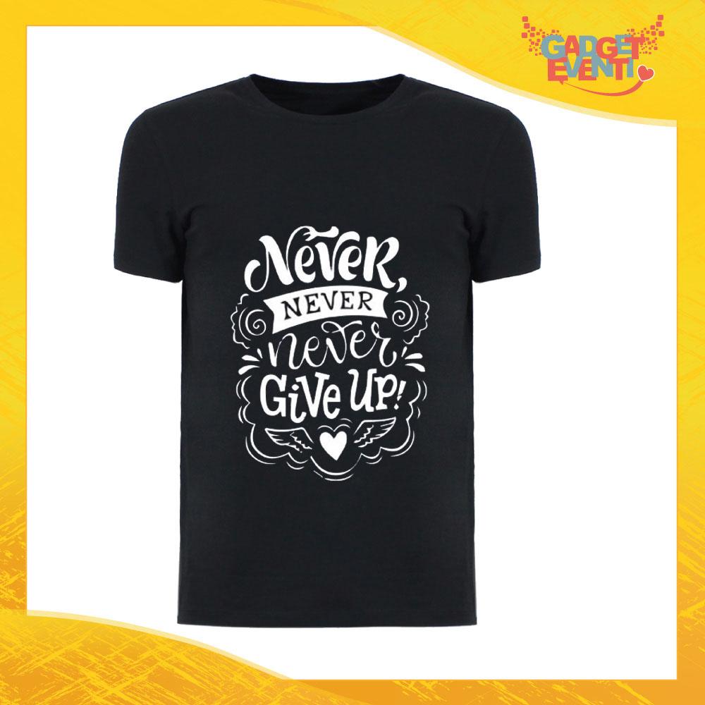 """T-Shirt Uomo Nera """"Never Give Up"""" Maglia Maglietta Maschile Idea Regalo Divertente per un Ragazzo Gadget Eventi"""
