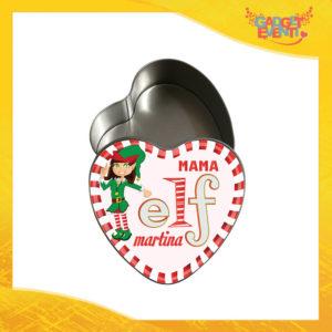 """Scatola Natalizia in Metallo a Forma di Cuore Grafica Bianca Modello Donna """"Elf Family"""" Idea Regalo Originale Festività Natalizie Natale Gadget Eventi"""