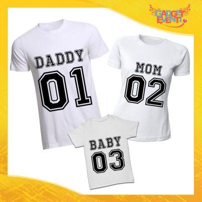 """Tris di T-Shirt bianche """"Daddy Mom Baby"""" Magliette per Tutta la Famiglia Completo di Maglie Padre Madre Figli Idea Regalo Gadget Eventi"""