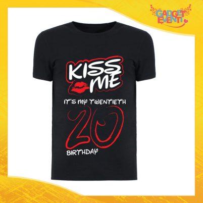 """T-Shirt Uomo Nera """"Kiss Me Birthday"""" Maglietta Maschile Birthday per Feste di Compleanno Idea Regalo per Compleanni Gadget Eventi"""