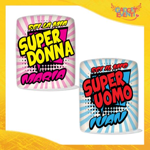 """Coppia di Salvadanai Personalizzati Love """"Super Uomo Donna con Nome"""". Portamonete Cilindrici Per Innamorati Idea regalo Gadget Eventi"""
