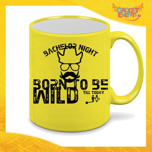 """Tazza Fluo Gialla Personalizzata """"Born To Be Wild"""" Mug Colazione Breakfast Idea Regalo Per Addii al Celibato Gadget Eventi"""
