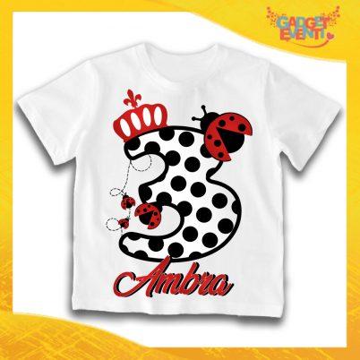 """T-Shirt bianca bimbo/a """"Coccinella Nome e Numero"""" Idea Regalo Per Compleanni Gadget Eventi"""